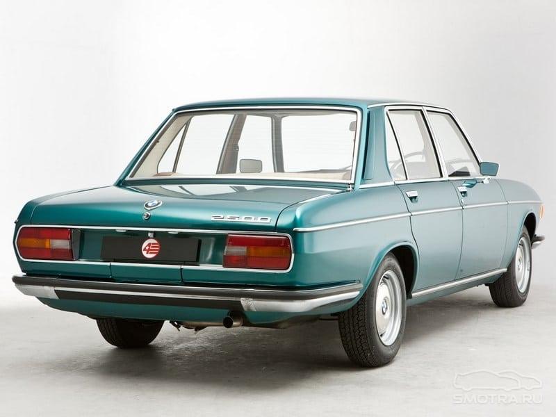 BMW 2500 - базовая модель в семейсте e3. Что интересно, короткобазная е3 - предшественник пятрёрки е12, а длиннобазная (модели 3.0L, 3.3L, 3.3Li) - семёрки е23.