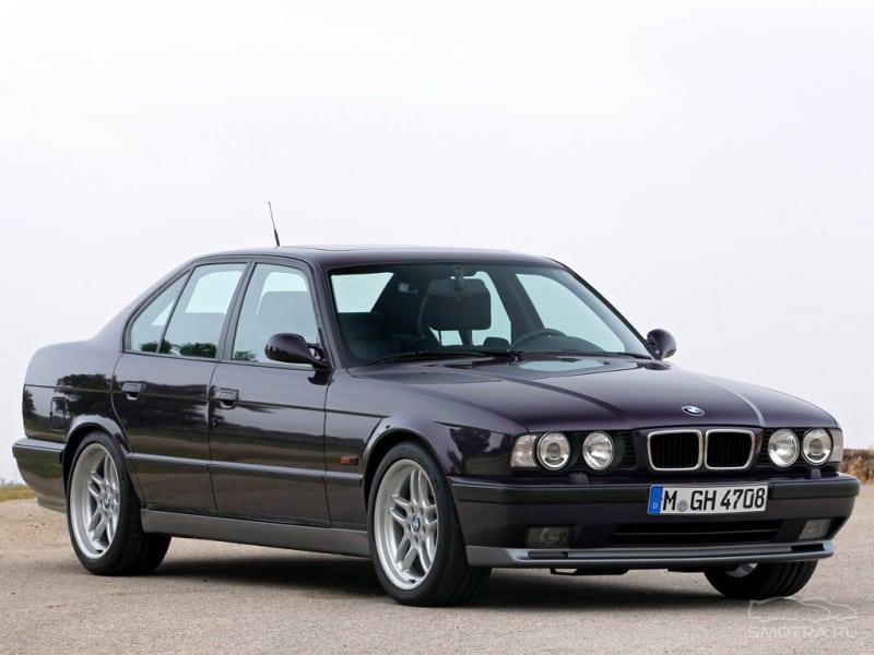 BMW M5 e34 называли Businessman Express: комфортная и статусная машина, которая в любой момент может превратиться в настоящего покорителя автобанов и гоночных трасс!