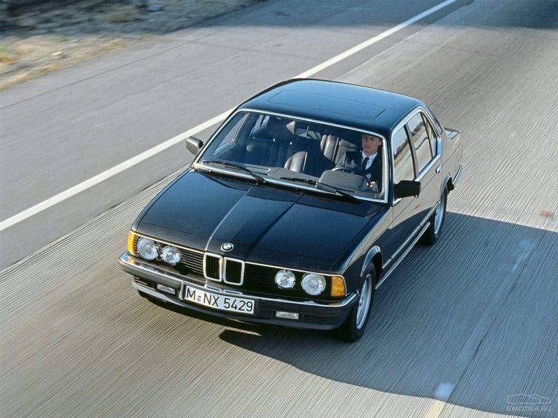 Опираясь на гоночный опыт, мотористы BMW в кооперации с мотористами Motorsport попытались в 1978 году создать турбомотор с индексом М102 на базе М30В32 для седана представительского класса, то бишь, для «семёрки» BMW в кузове е23.