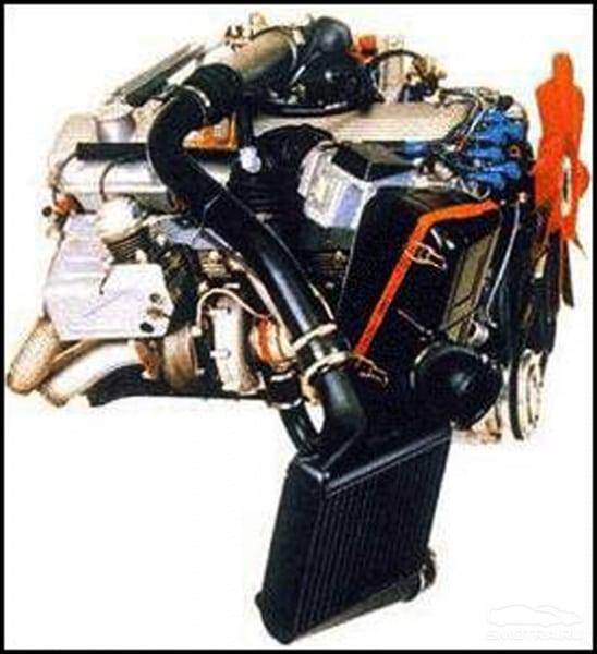 Различия моторов M102/М106 и M30 можно назвать микроскопическими, поскольку они видны только при очень детальном рассмотрении, однако эти различия делают практически все детали моторов невзаимозаменяемыми.