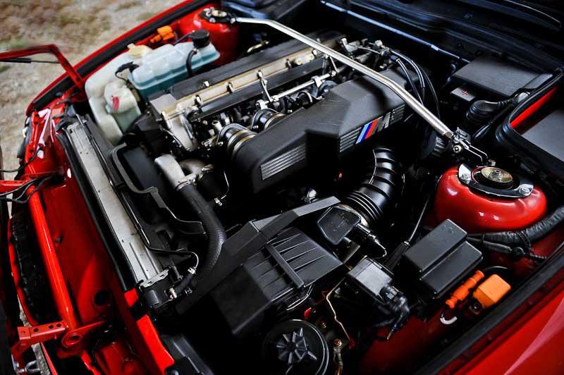 Основой для M5 «20 Jahre Rock Edition» послужил M5 с двигателем S38B38 объемом 3,8 литра