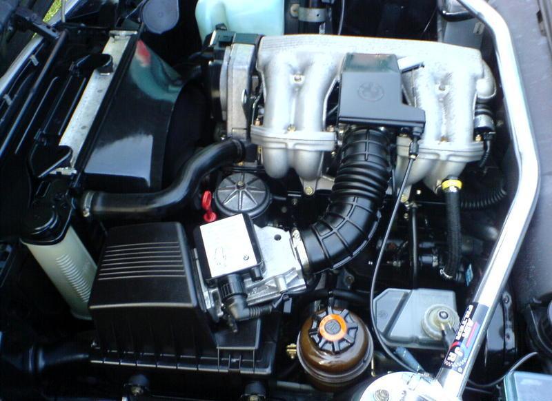 Двигатель M40B18 ставился на 518i с 1999 по 1994 год.