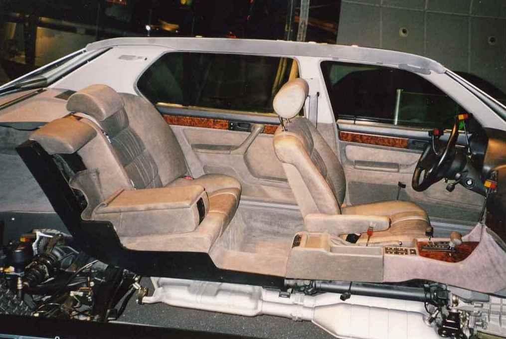Обзор задней части салона, трансмиссии и задней подвески BMW E32 750iL