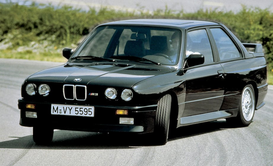 Пресса на появление BMW M3 отреагировала незамедлительно. Немецкое издание Sport Auto тут же присвоило ей титул спортивной машины года. А журнал Total BMW в 2002 году изрёк: «Пожалуй, лучшая BMW за всю историю».