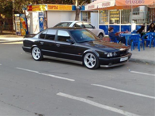 """Третий автомобиль под номером GD64723 Cosmosschwarz met. 1995-05-18. Самый """"свежий"""" М5 е34 на территории России."""