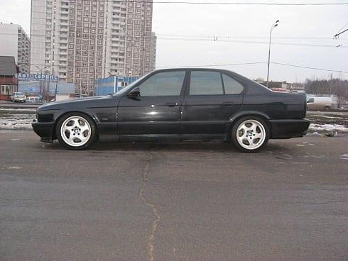 Четвертый автомобиль под номером GD64386 Cosmosschwarz met. 1994-06-09 . Обратите внимание, что автомобиль выпущен в тот же день, что и желтый автомобиль под номером один.