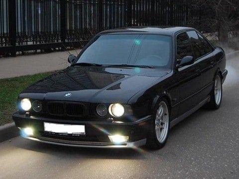 Седьмой автомобиль под номером GD64566 Cosmosschwarz met. 1994-12-01. Автомобиль находится в Москве в отличном состоянии.