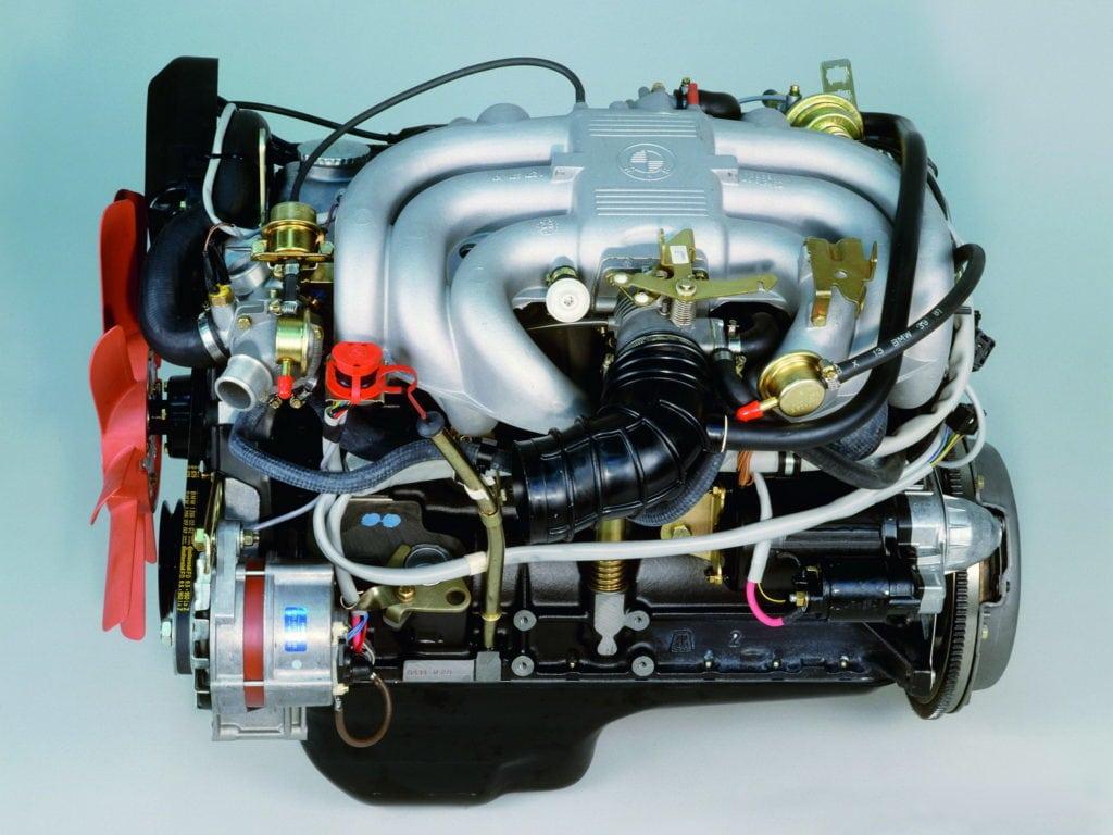Двигатель BMW M20 — шестицилиндровый поршневой двигатель с одним верхним распределительным валом