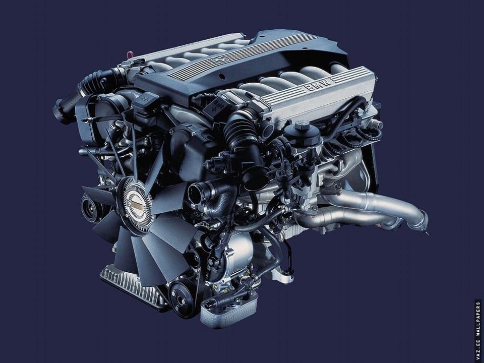 Наконец-то у нас M73B54. Энто просто V12, просто 5.4, просто 326 сил, просто кусок мотора с самолета.