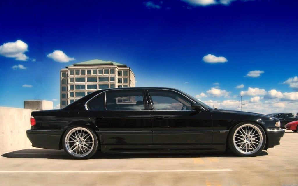 BMW 7 серия E38