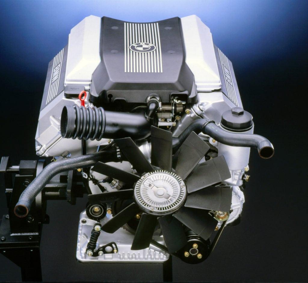 Двигатель BMW M60