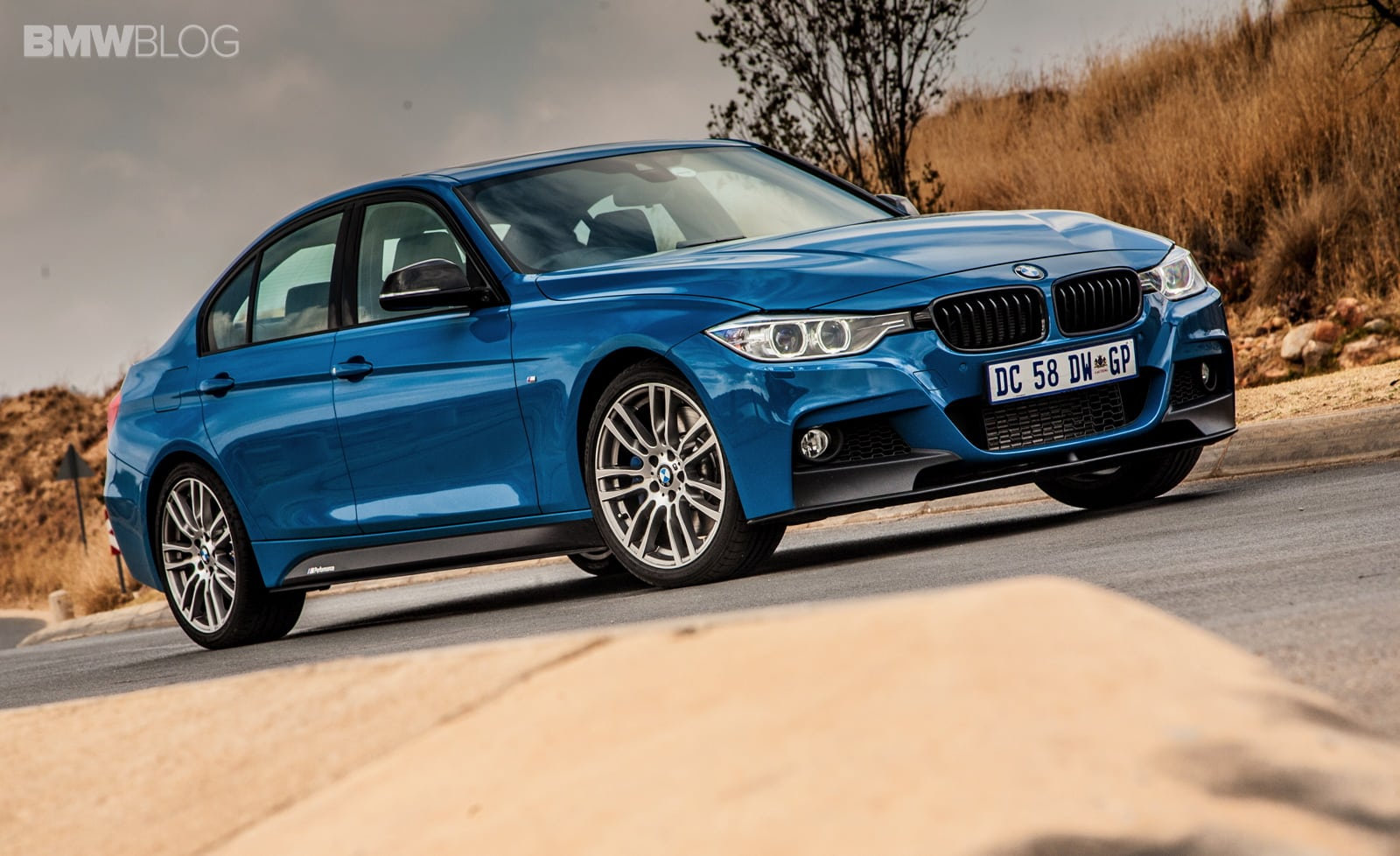 Limited Edition BMW 3 Series Sedan M Performance Edition в цвете Laguna Seca Blue