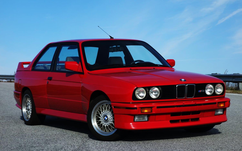 Легендарный BMW M3 E30 на гоночном треке Lime Rock Park