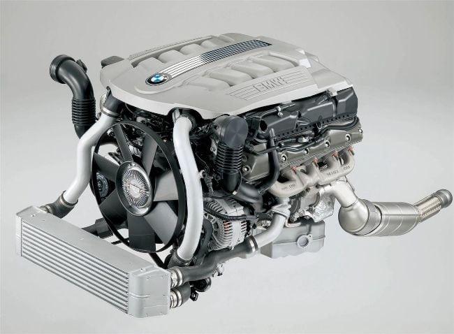 По поводу этого мотора-работает пословица: любишь кататься. люби и саночки возить. Мотор, оооочень дорогой в обслуге. Но реально валит. 240 сил, 560Нм, и 2 турбы.