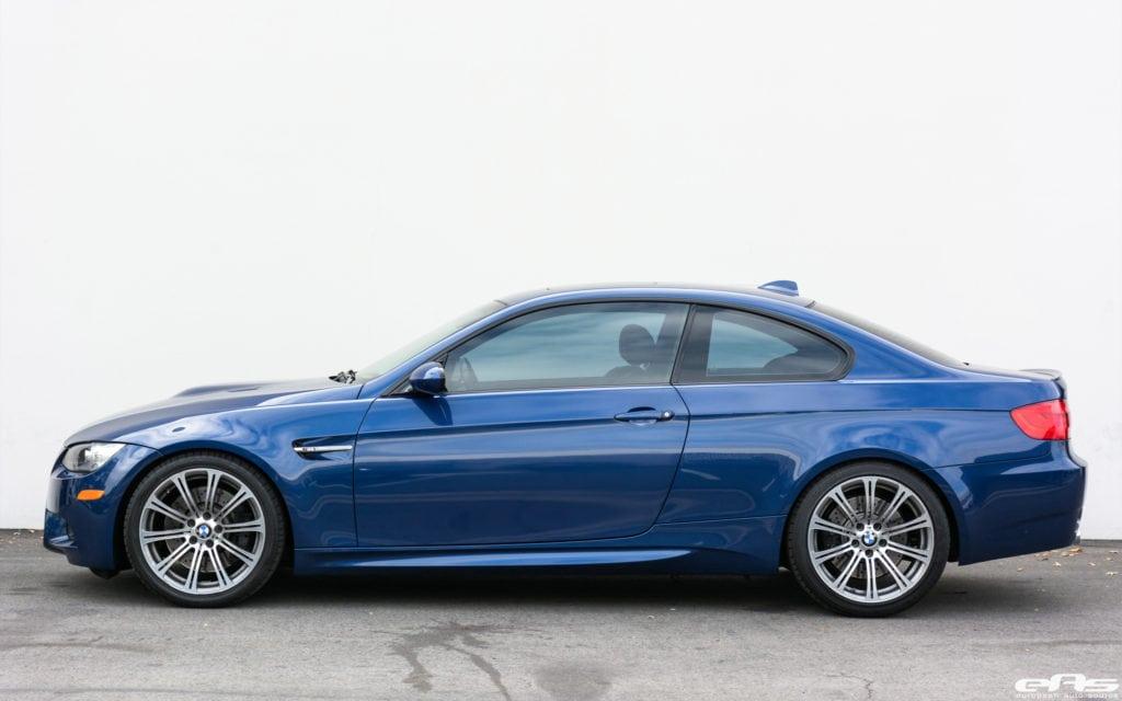 BMW E92 M3 в цвете LeMans Blue