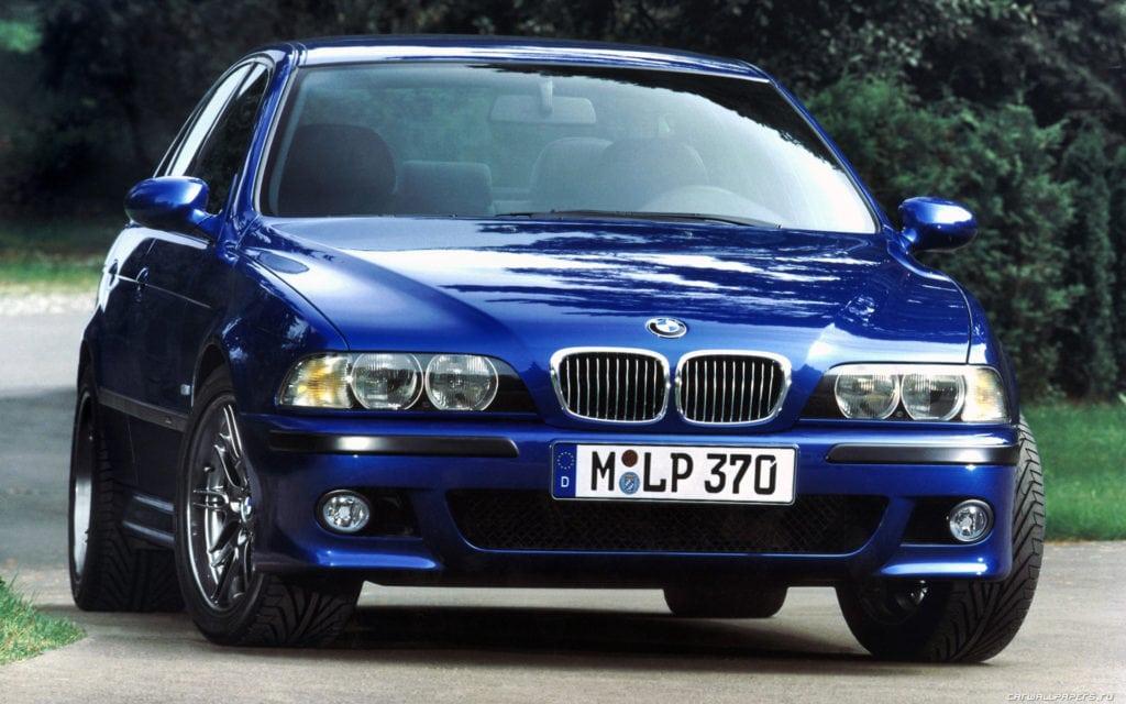 BMW E39 в цвете Montreal Blue