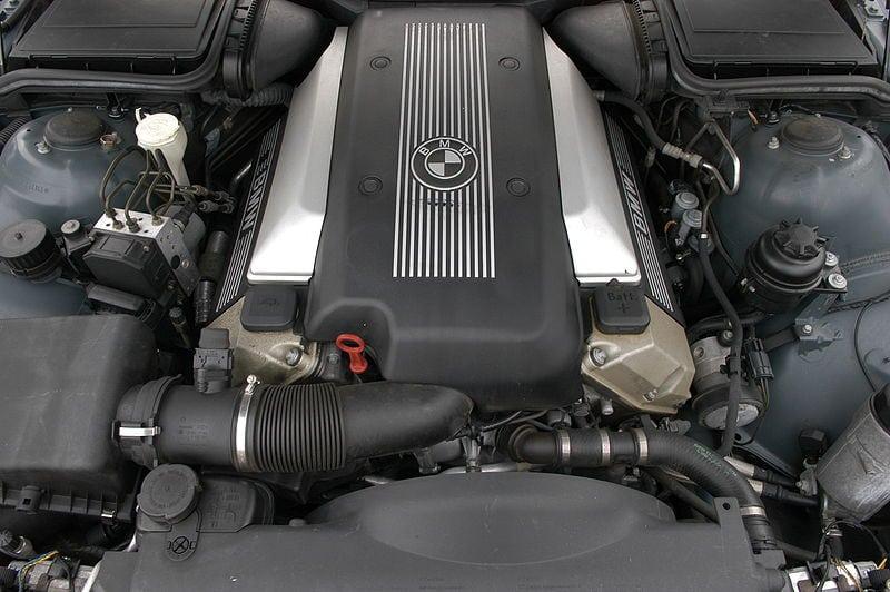 Двигатель BMW X5 E53 M62B44TU Vanos