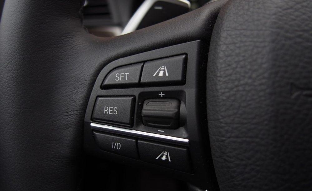 Разбираем что такое динамический круиз-контроль на примере BMW 3 серии