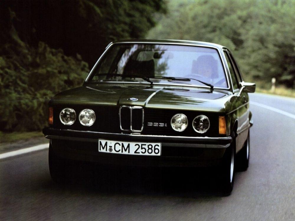 30 лет BMW 3 серии: первое поколение в кузове E21 модель 323i