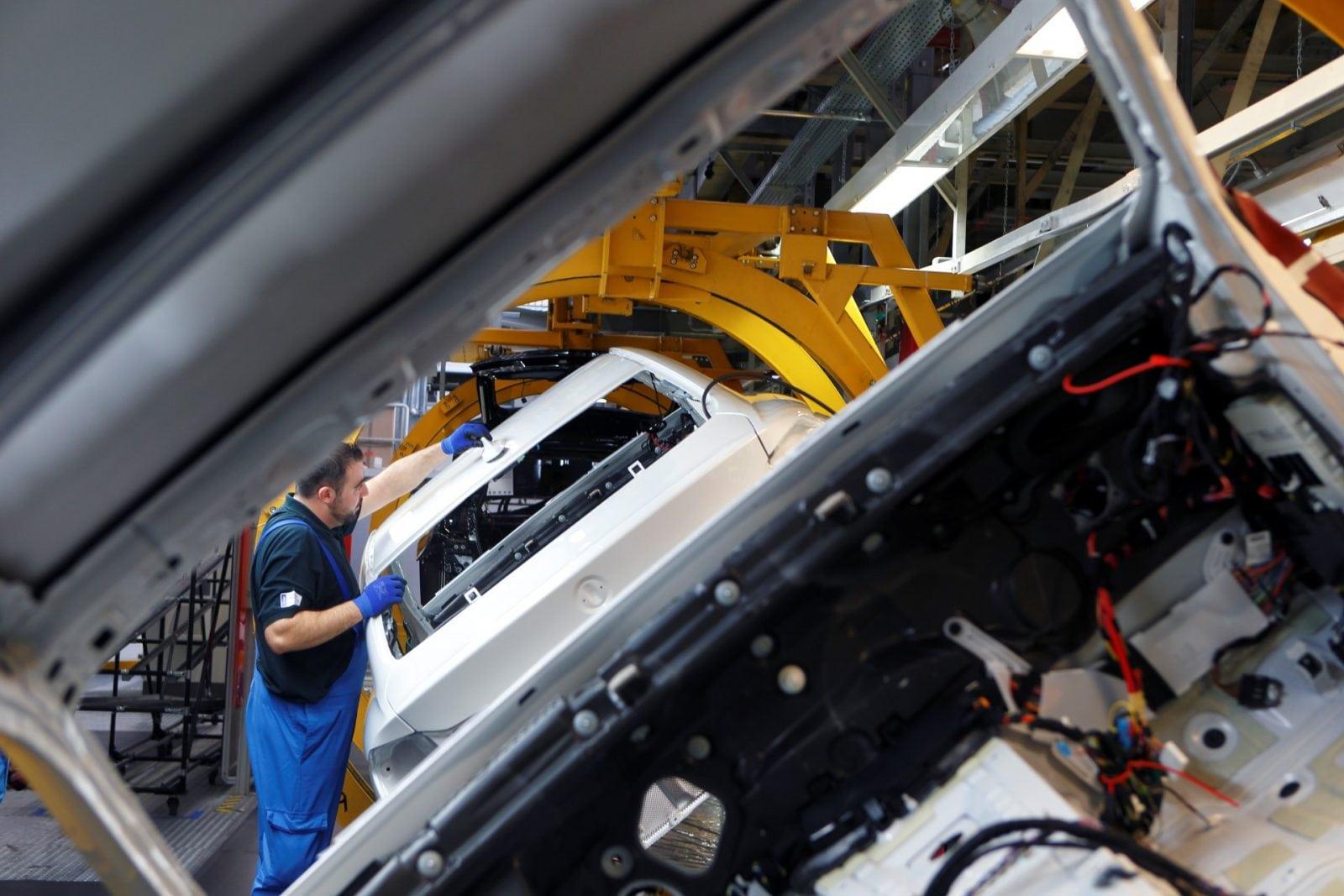 Фото с производства BMW 4 серии в кузове F32 в высоком качестве