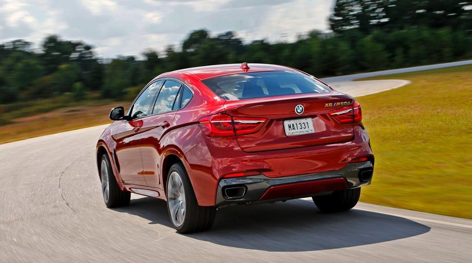 Пока на X6 ставят наиболее мощные двигатели, но весной в гамму добавят 306-сильный бензиновый турбомотор 3.0 и турбодизель того же объёма, выдающий 313 «лошадей».