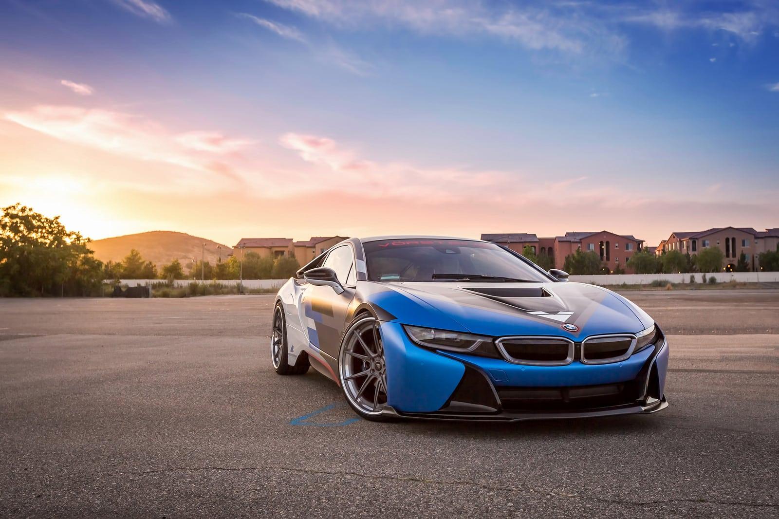BMW i8 в новом аэродинамическом обвесе от Vorsteiner
