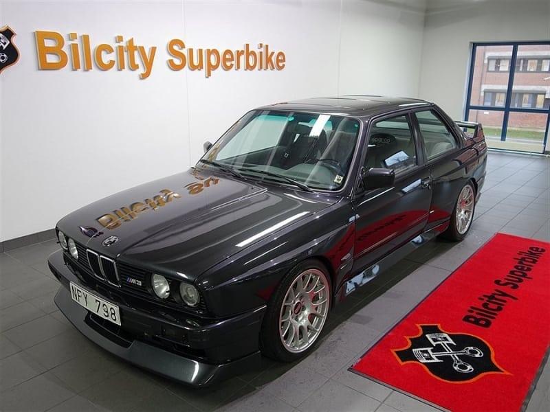 BMW M3 E30 с двигателем S85 V10