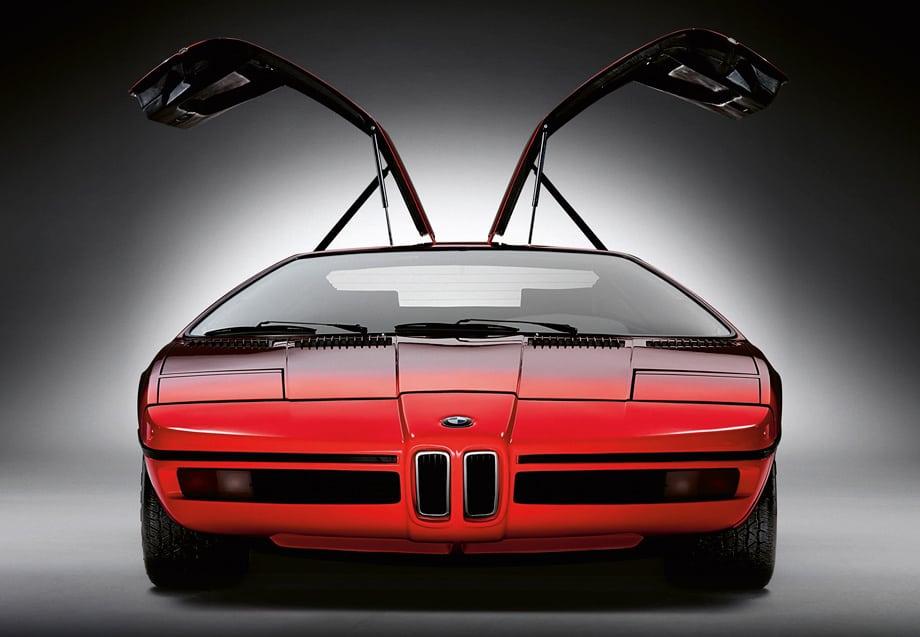Прообразом M1 стал концепт BMW Turbo, созданный Полем Браком в 1972 году.