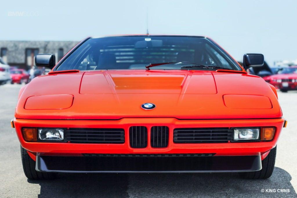 BMW E26 M1 1980 года выпуска в цвете Inca Orange, принадлежащий Скотту Хьюзу (Scott Hughes). Он приехал в Пеорию из Южной Каролины, преодолев значительное расстояние на трейлере
