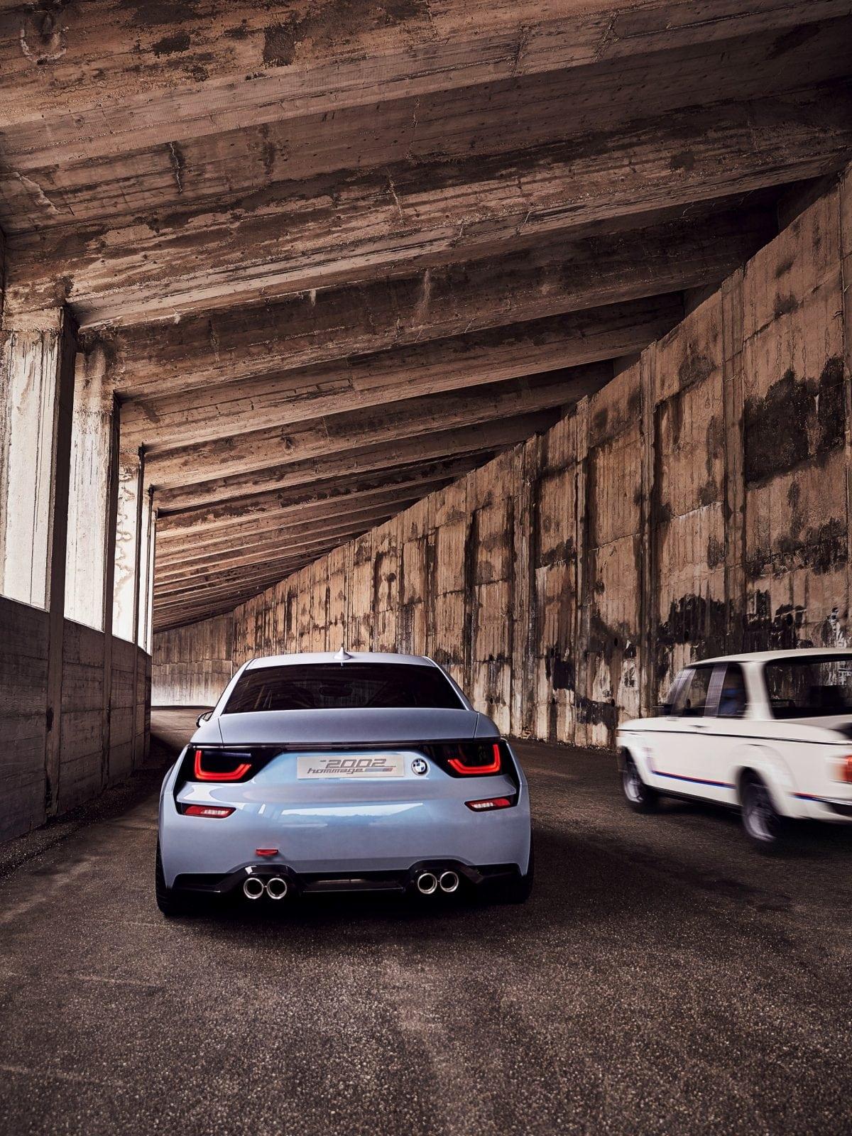 Главной целью разработчиков BMW 2002 Hommage, было сохранение в концепте характерных черт ретро-модели, сохранения её духа.