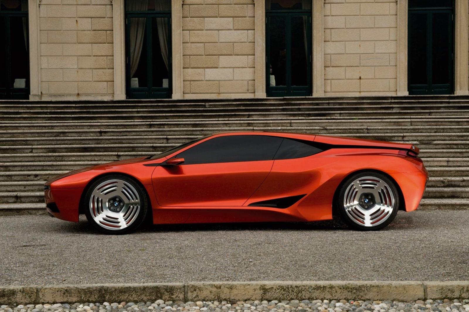 На выставке Concorso d'Eleganza Villa d'Este 2008 был представлен первый концепт BMW серии Hommage. Таким образом в BMW решили отметить 30-летие модели M1.