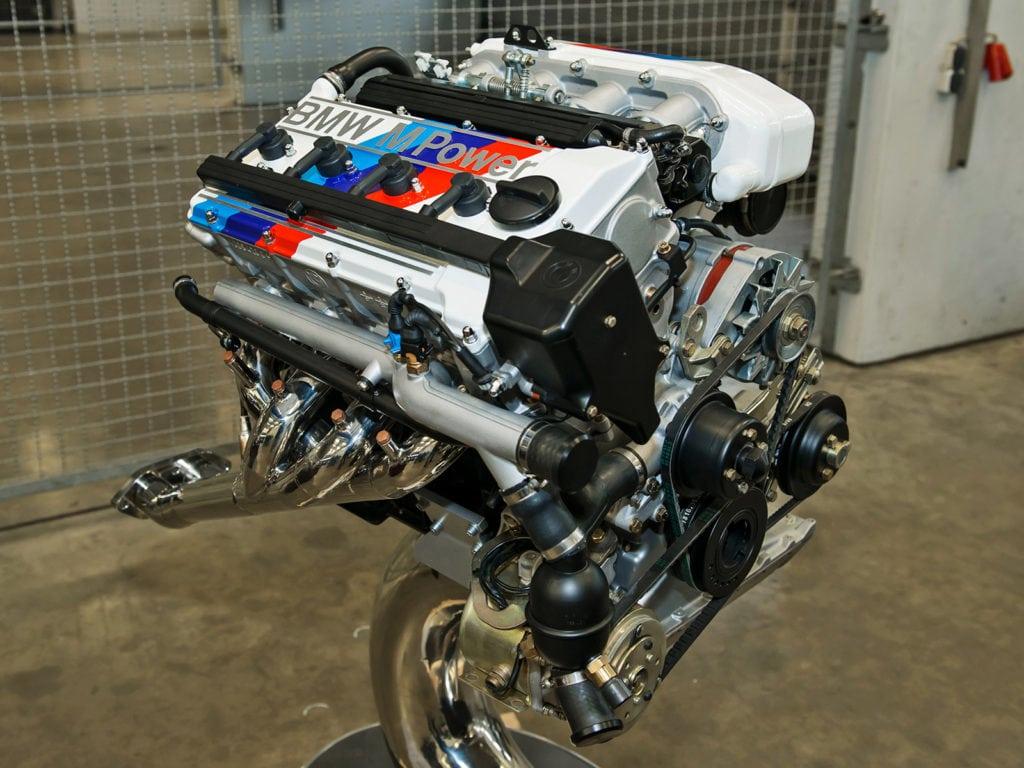 Прототип четырёхцилиндрового двигателя S14B23 (1986–1990) получили, просто удалив пару лишних цилиндров у рядной «шестёрки».