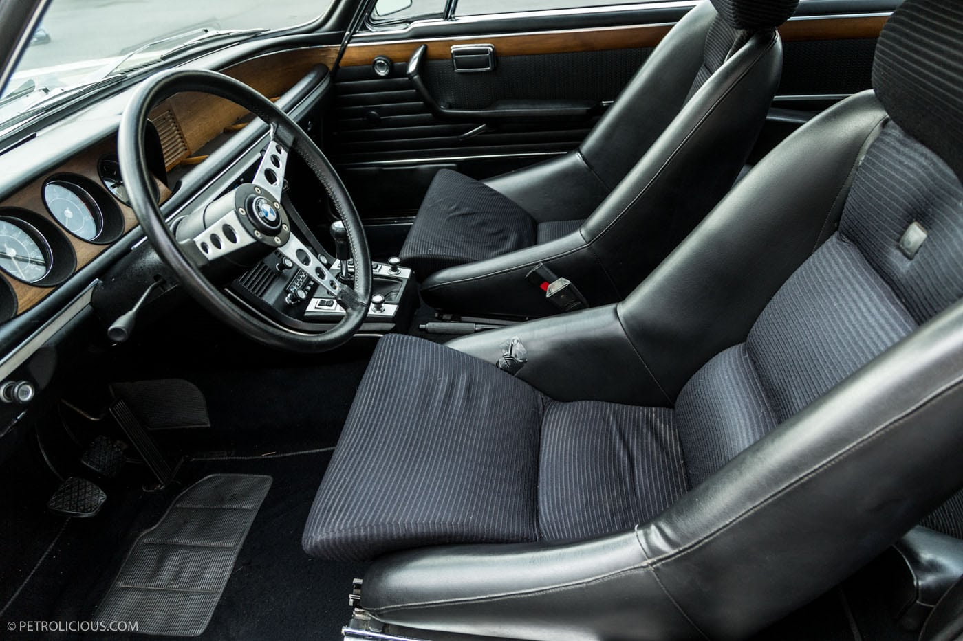 BMW E9 3.0 CSL. Йохан Неерпаш: для омологации BMW 3.0 CSL нужно было выпустить 1000 экземпляров этой модели, однако мы посчитали, что дешевле будет построить одну гоночную машину для обычных дорог.