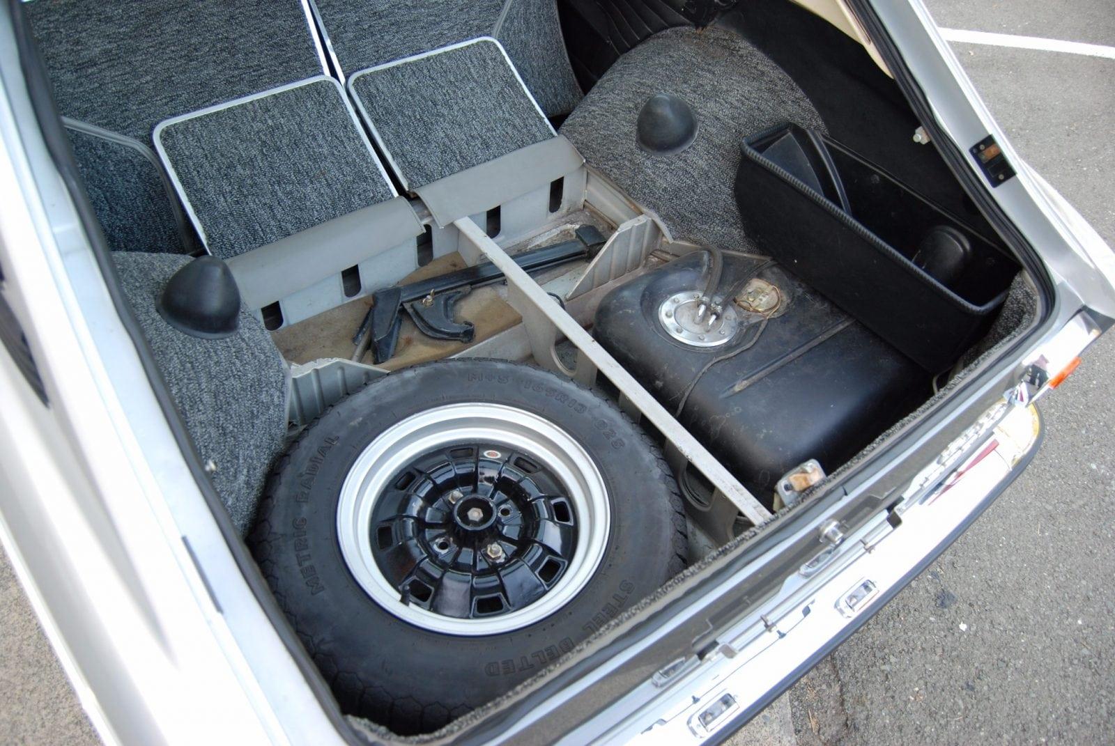 Оттюненный ALPINA BMW 2002tii Touring 1972 года продается в США
