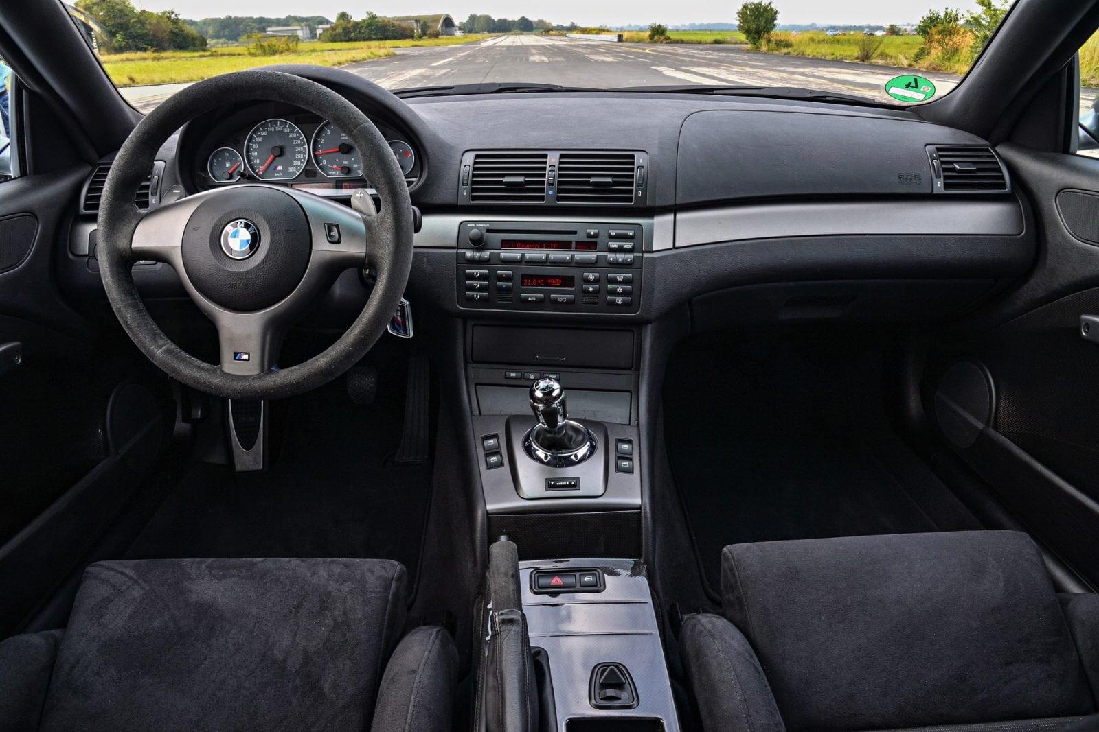 BMW M3 E46 CSL: в общей сложности было произведено 1358 автомобилей между июнем и декабрем 2003 года, включая 823 автомобиля с левым рулем и 535 с правым.