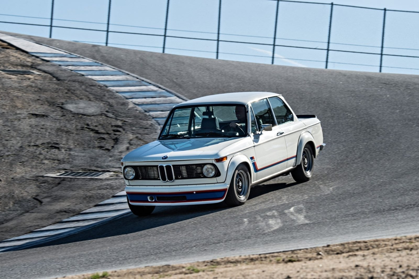 BMW 2002 Turbo с BMW M2 Coupe и BMW 1 Series M Coupe на треке