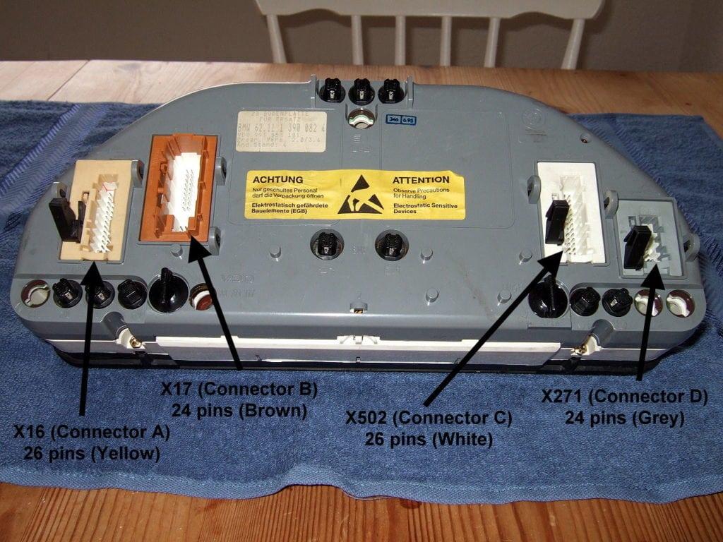 Обозначения коннекторов на приборной панели первого поколения (Gen I)