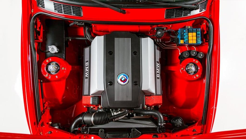 Двухдверный BMW E30 M3 Touring V8 дебютировал на SEMA 2016