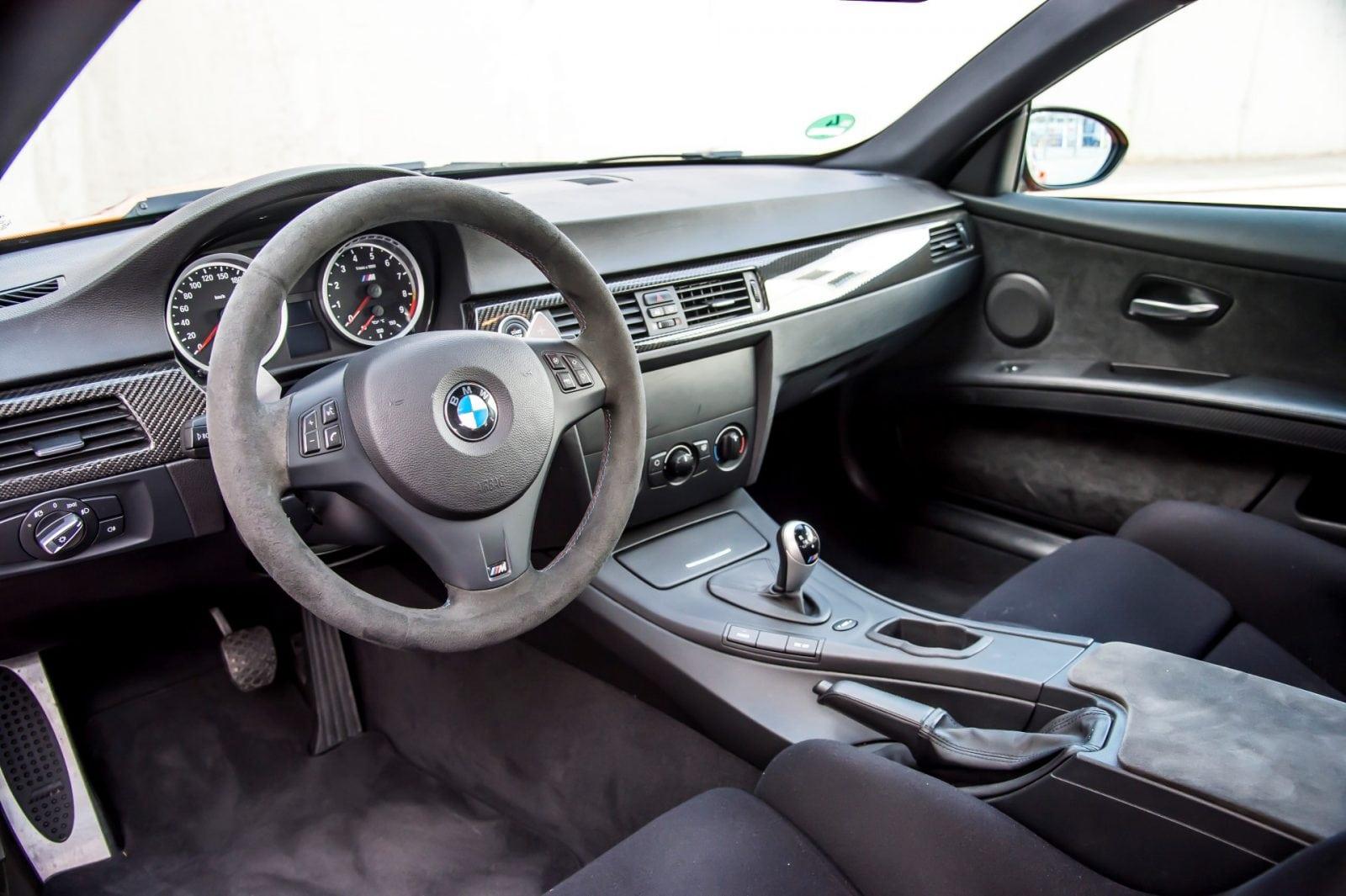 BMW M3 GTS E92 является духовным приемником M3 CSL.