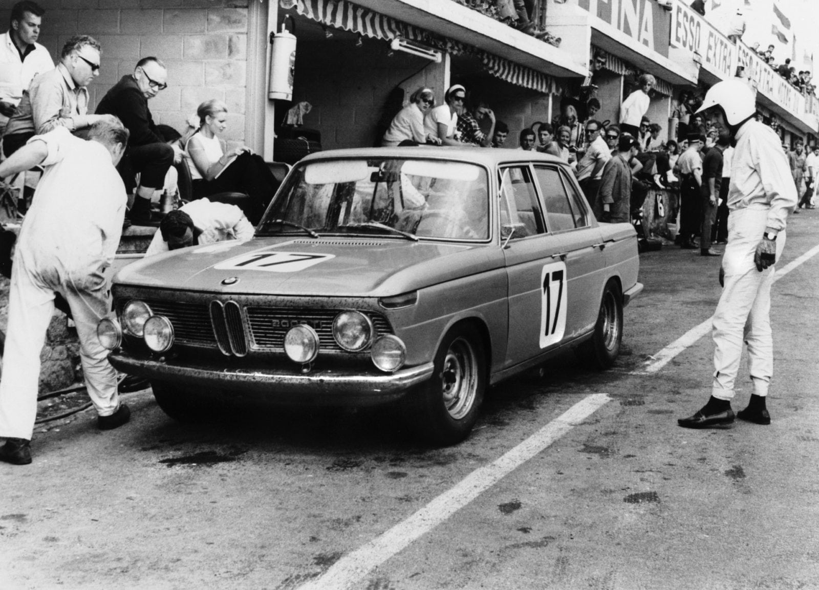 50 Years of BMW New Class, BMW 1800 at 24-hours race at Spa Francorchamps 1966 - pit stop (03/2011)