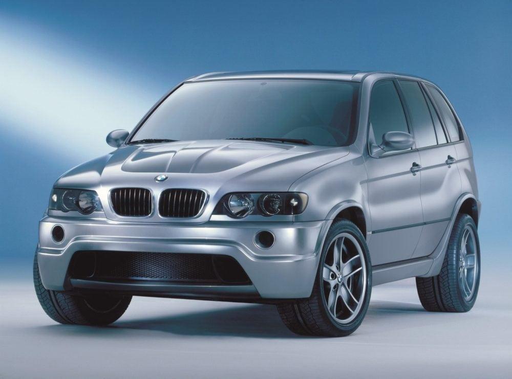 BMW X5 E53 Le Mans: под капотом этого супер спортивного «паркетного» внедорожника расположен мощнейший двигатель V12 взятый без изменений с болида-победителя гонки «24 часа Ле-Мана» BMW V12 LMR.