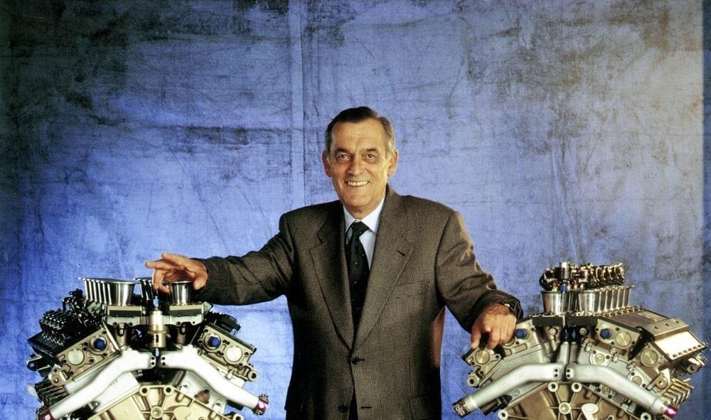Paul Rosche с двумя двигателями V12 F1 1995-1999