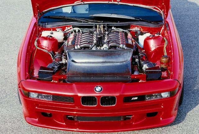 Топовая версия 850CSi имела VIN-номер начинавшийся с WBS, который означал принадлежность к BMW Motorsport.