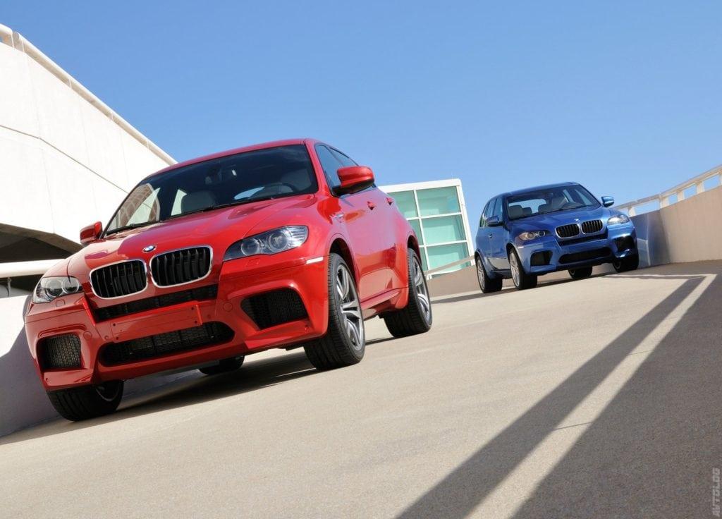 Появление «сладкой парочки» Х5/Х6 переписало сразу несколько незыблемых правил BMW M: у них был полный привод, турбонаддув и автоматическая коробка передач. В оправдание можно заметить, что разработкой этих версий занимались инженеры головной компании, а не мастера из BMW Motorsport.
