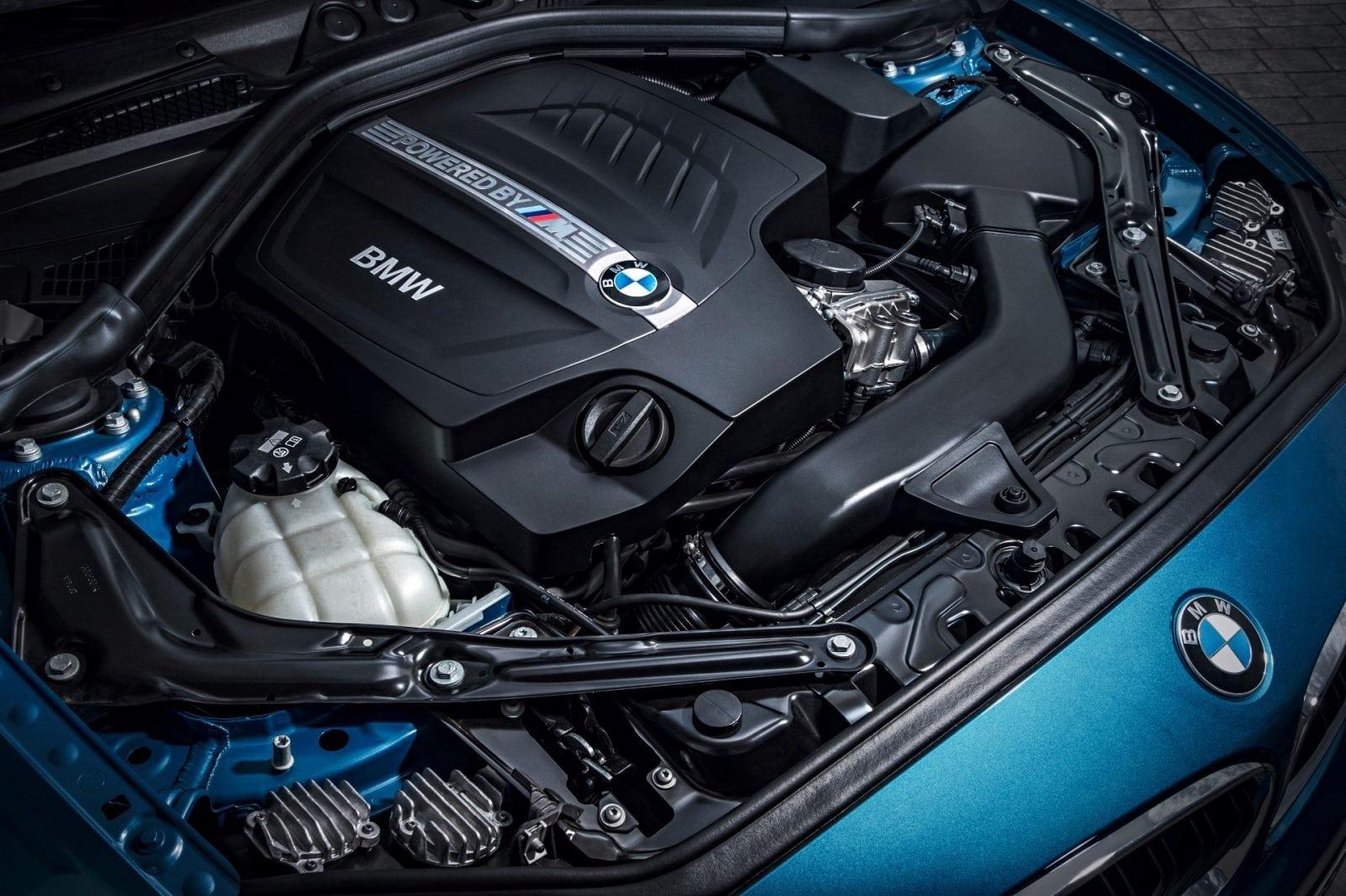 Двигатель BMW M2 F87 N55 мощность 370 л. с. (272 кВт).