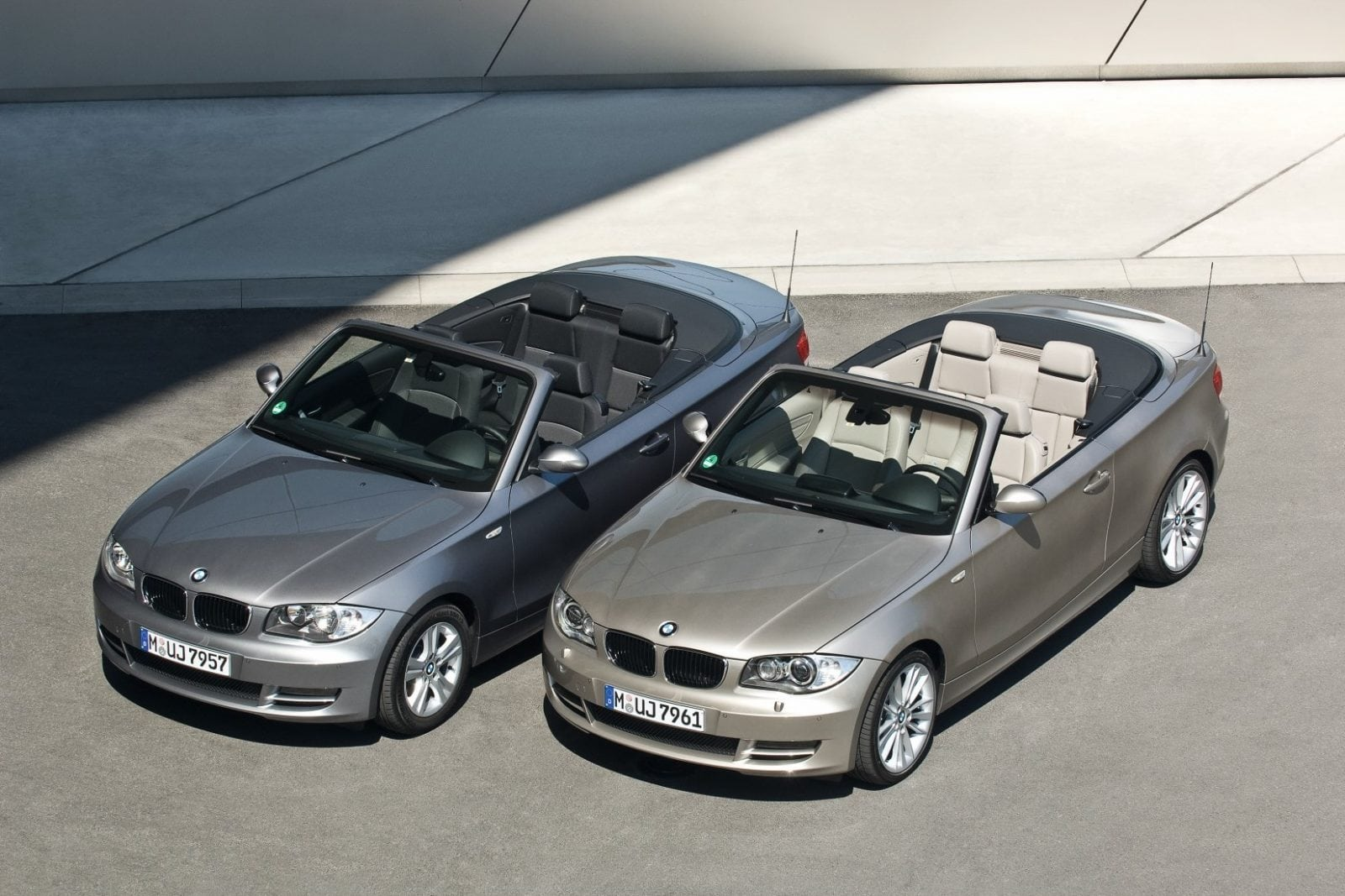 BMW E88 118d и 123d 2009 Model Year-1