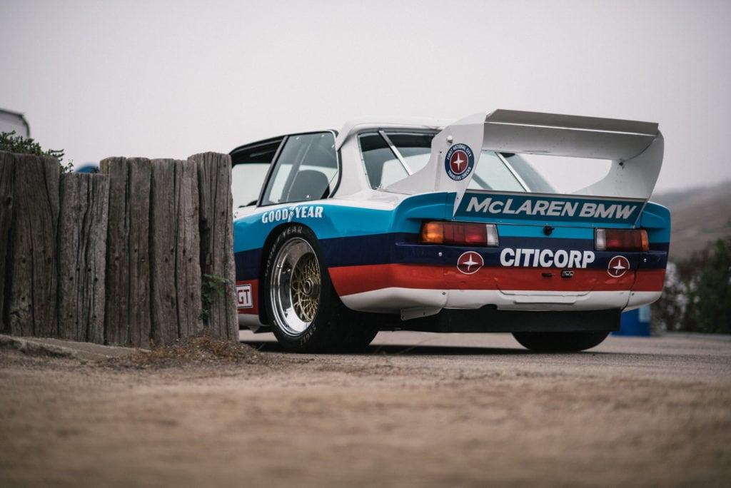 Столетие BMW на треке Laguna Seca со всех ракурсов: наедине с IMSA E21 320 Turbo