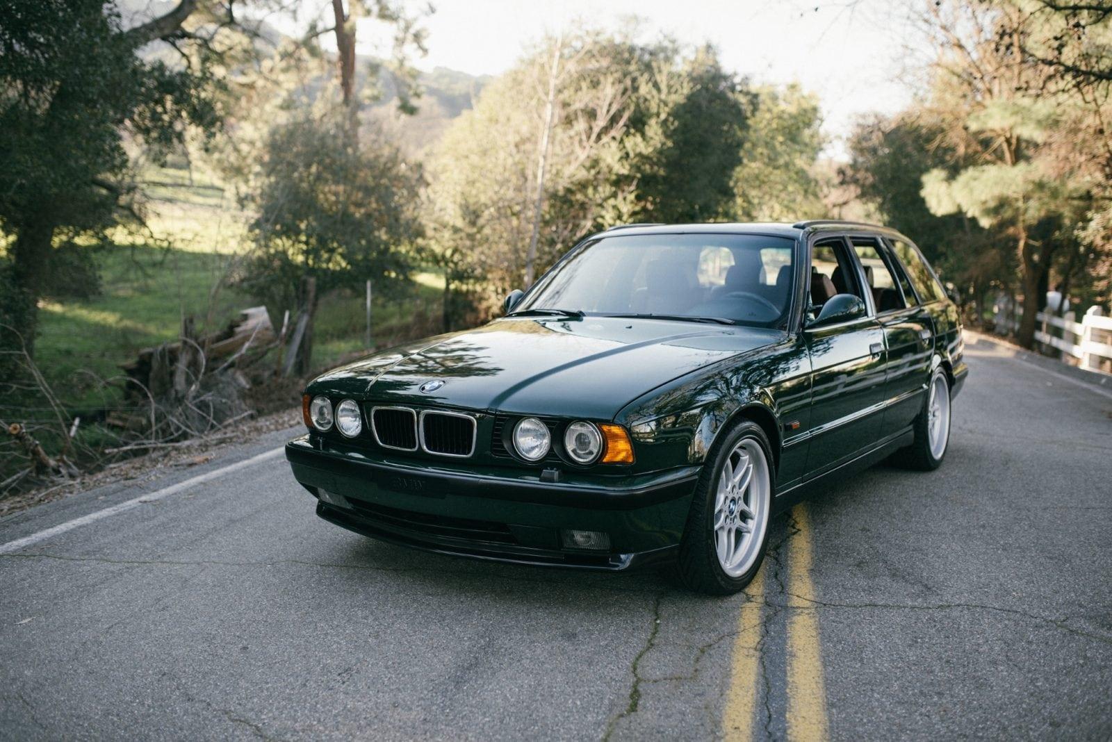 "Один из 20 BMW M5 E34 Touring ""Elekta"" ушел с молотка за 120 000 зеленых"