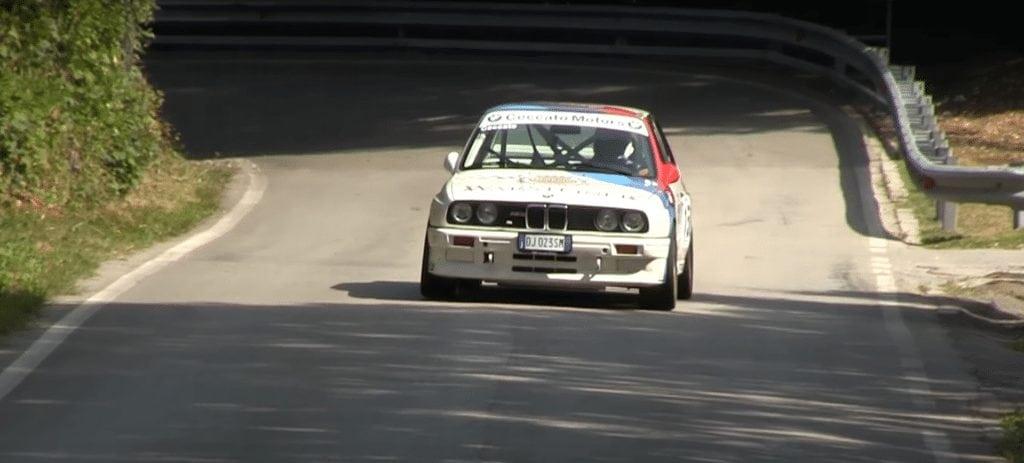 Слушаем рев мотора BMW E30 M3 Group A Rally-Spec