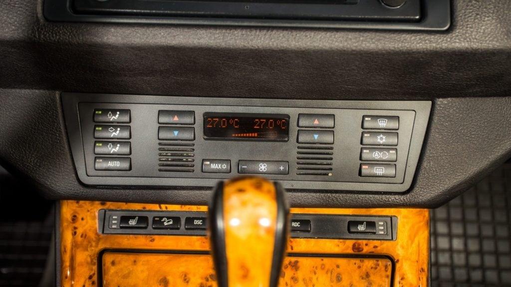 Разная самоуверенность: обзор и тест-драйв Mercedes-Benz ML W163 и BMW X5 E53